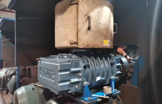 Installation of anew  Kubíček bare shaft blower type 3D90B into older unit (PL)